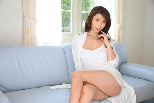 篠田あゆみIカップ美巨乳おっぱい1