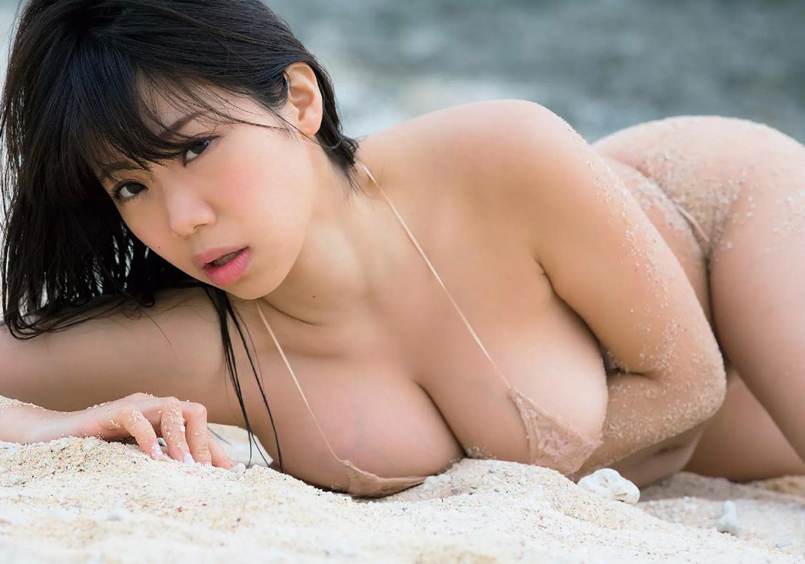 鈴木ふみ奈 Hカップのはみ出し過ぎなお乳があなどれないえろ写真