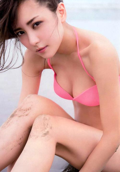 美乳で評判の石川恋(23) お尻もぷりっぷり。