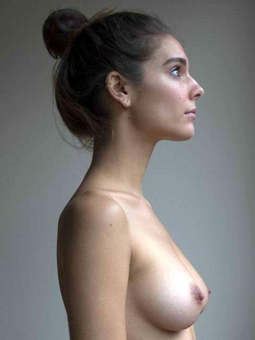 【外人】オーストラリアの女優ケイトリン・ステイシー(Caitlin Stasey)のまんこにぶち込みたくなる巨乳おっぱいポルノ画像
