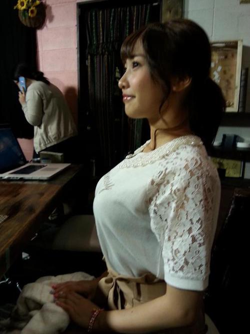 【三次】服を着ている女の子のおっぱい画像part3