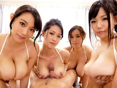 澁谷果歩他 皆Jカップ以上の超乳でサービスするお乳メンズマッサージ