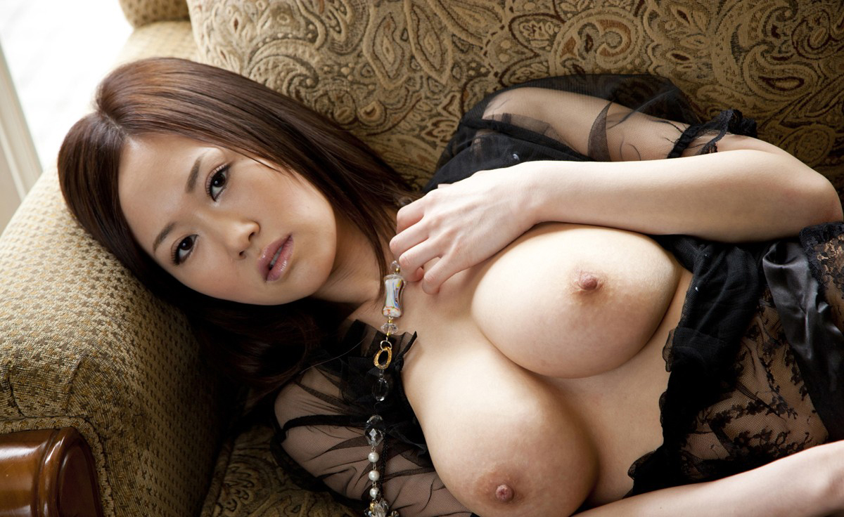 菅野さゆき Jカップの熟れたロケット乳お乳に埋もれたくなっちゃうえろ写真