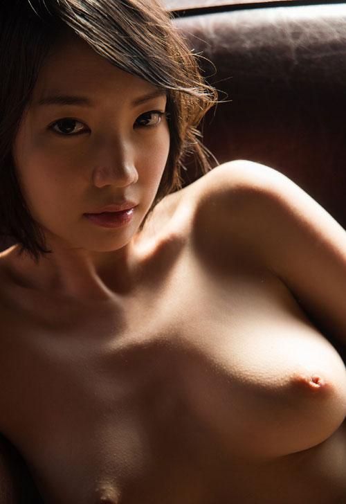 鈴木心春 天然パイパン色白美女の綺麗なハダカ 最新ヌードグラビアまとめ