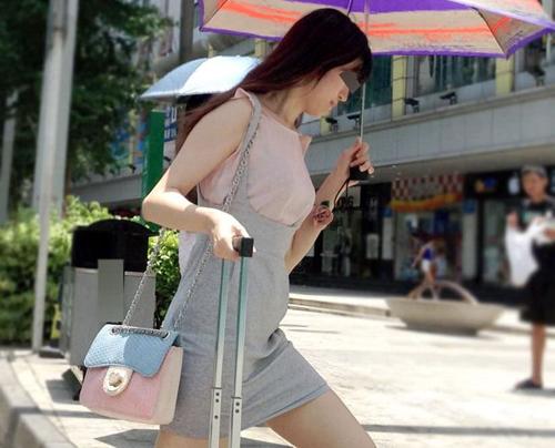 中国で街撮りした中国人素人の女の子の生足が堪らんw