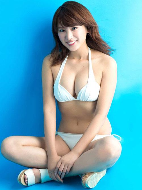 久松郁実のビキニで美乳おっぱい14