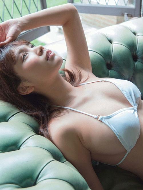 久松郁実のビキニで美乳おっぱい30