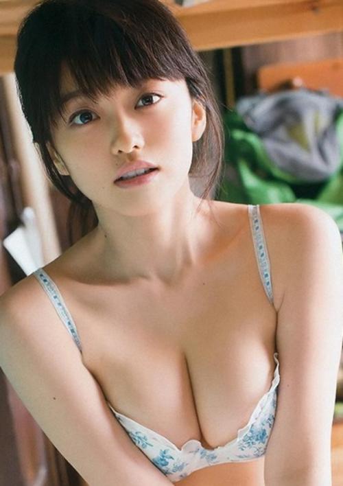 【GIFありグラドル山地まり】~いまだ処女のFカップ巨乳グラビア画像!