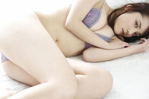 都丸沙也華の20歳になったおっぱい27