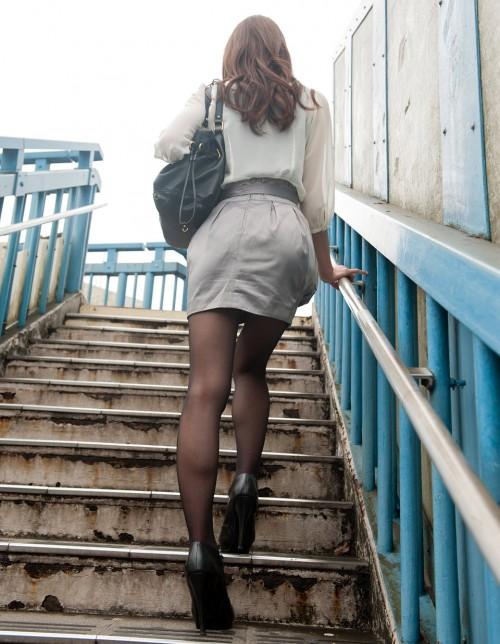 【三次】黒ストや黒タイツを履いている女の子のエロ画像part2