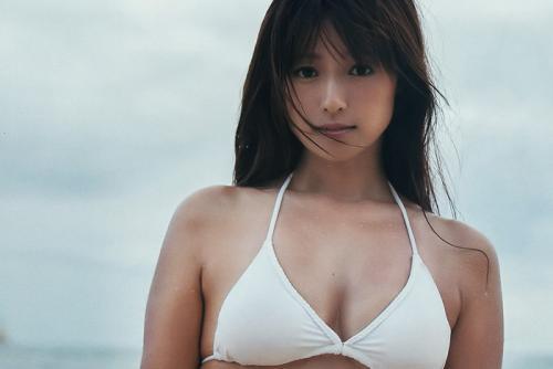 深田恭子が写真集2作で1、2位を独占!