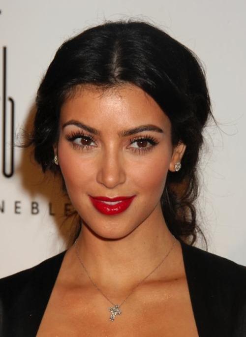【お騒がせセレブのキム・カーダシアン(Kim Kardashian)】10億強盗された巨乳おっぱい ヌード!