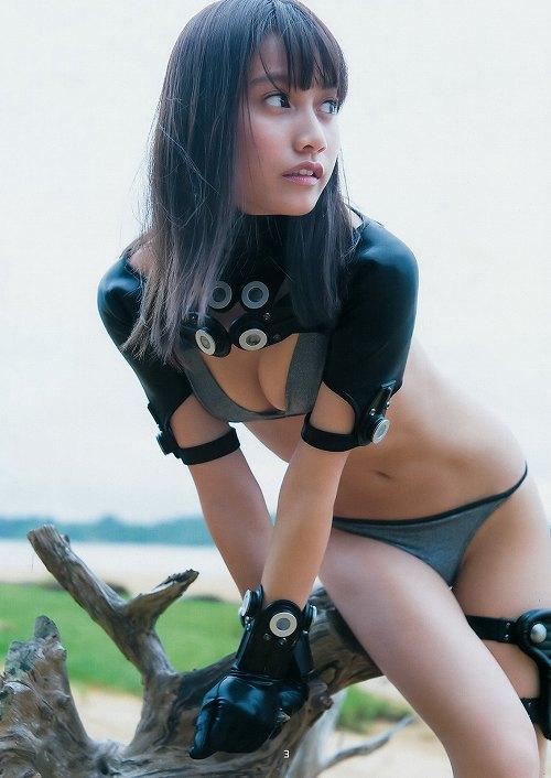 武田あやな ガンツコスがセクシーすぎるグラビアおっぱい画像