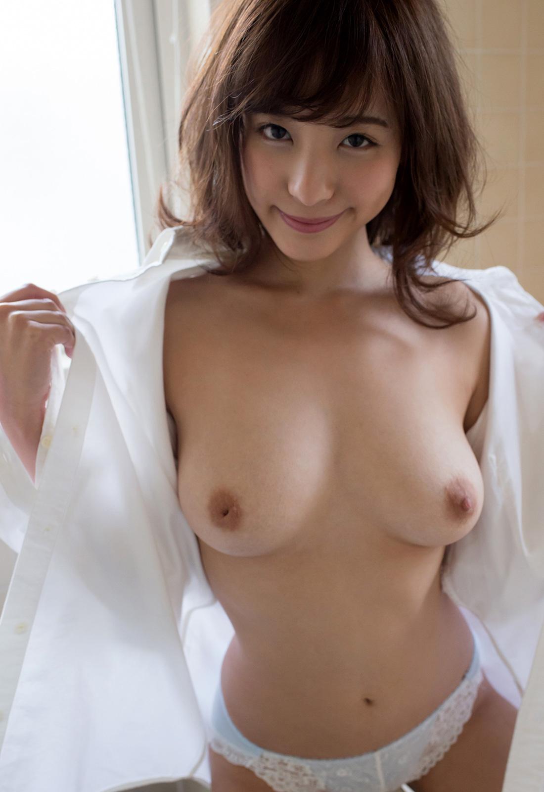 桃乃木かな 陥没乳首にFカップの美巨乳おっぱいにしゃぶりつきたくなる