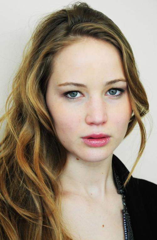 【『X-MEN』主演の女優ジェニファー・ローレンス(Jennifer Lawrence)】巨乳おっぱいヌード画像!