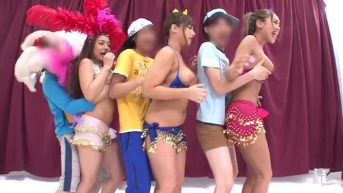 【おっぱい】ダンスを習いにきたセクシーなコスチュームの黒ギャルママのおっぱい画像がエロすぎる!【30枚】