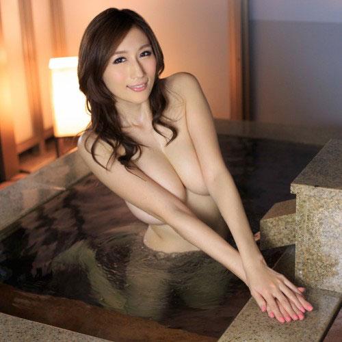 温泉に浮かぶおっぱい♪ 綺麗なおねえちゃんのヌードで癒やされよう Vol.3 #エロ画像 50枚