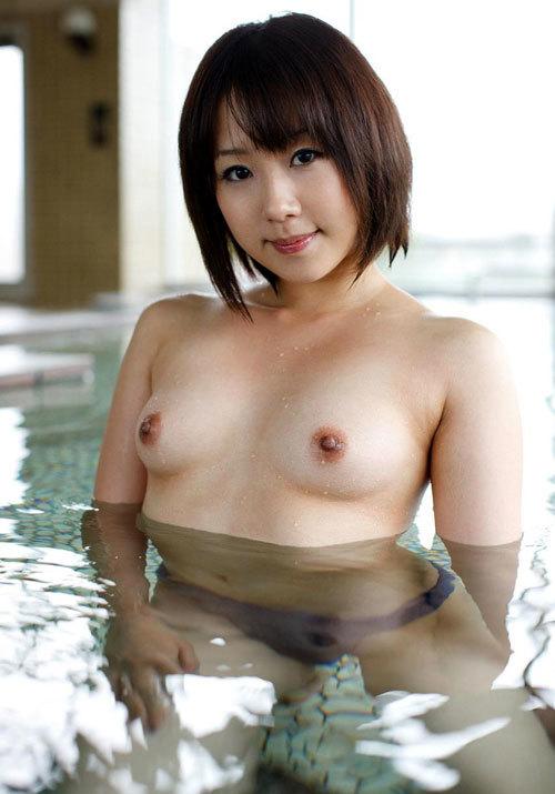 温泉でおっぱい揉んで暖まりたい11
