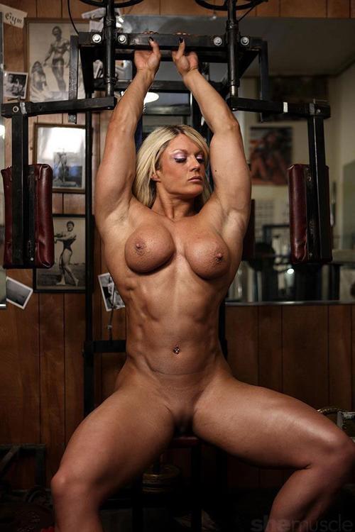 3次元 素晴らしい筋肉をしたマッスルお姉さんのエロ画像 54枚