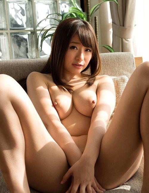 初美沙希のEカップ美巨乳おっぱい15