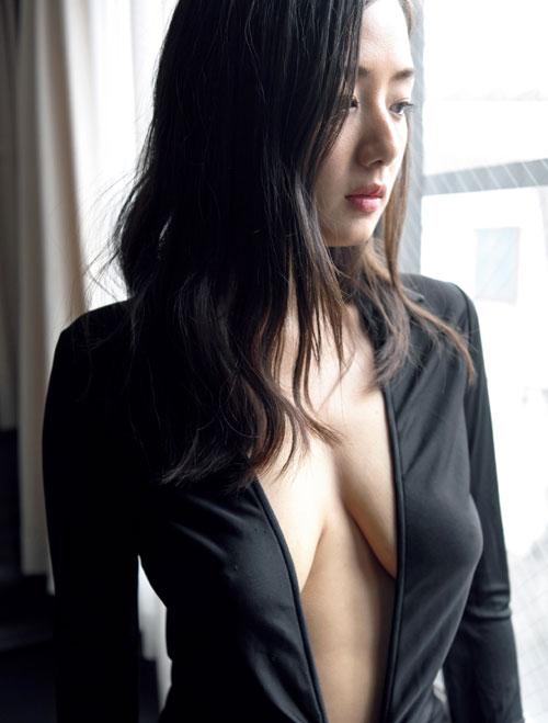 片山萌美透け乳首