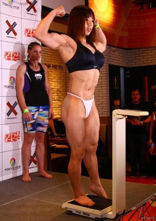 【衝撃画像】女格闘家・中井りんがケツ出しふんどしで計量、ブログで乳輪公開wwwwwwwww