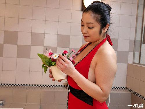 小向美奈子のスライム乳でマットプレイ1