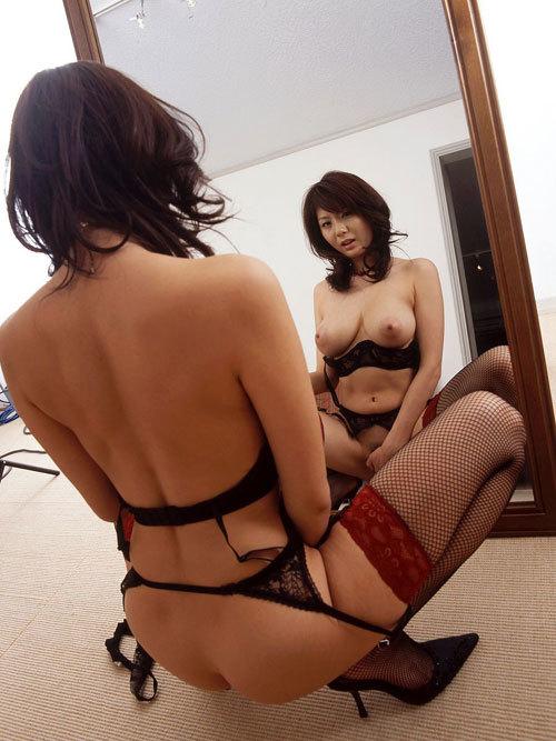 鏡に写ったおっぱいに得した気分19