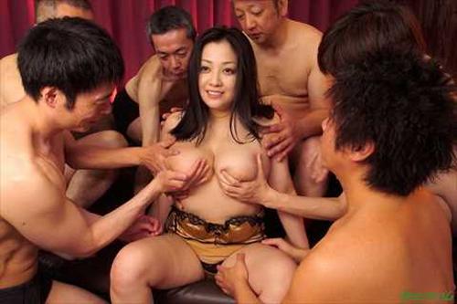 小向美奈子、最新無修正動画のエロ画像を大量公開!乱交セックス肉団子がおぞましすぎる!(※画像あり)