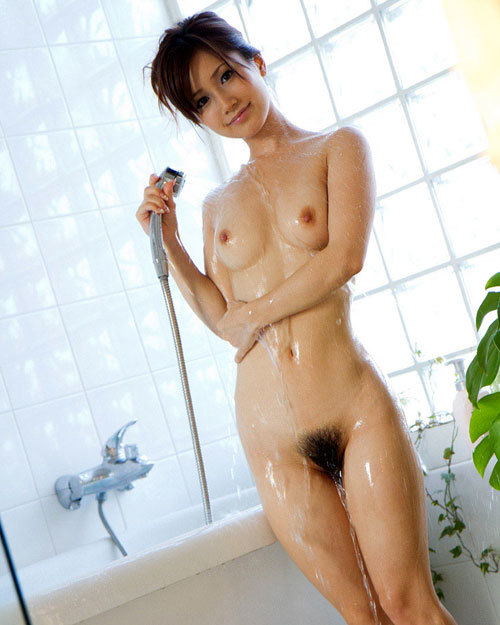 シャワーで濡れたおっぱいに興奮12