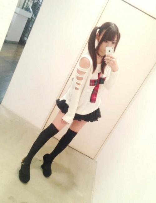 【三次】ニーソな女の子の脚エロ画像