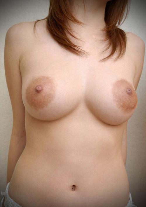 【巨乳輪】シングルCD位の大きさがある乳輪を持つ女子達のエロ画像
