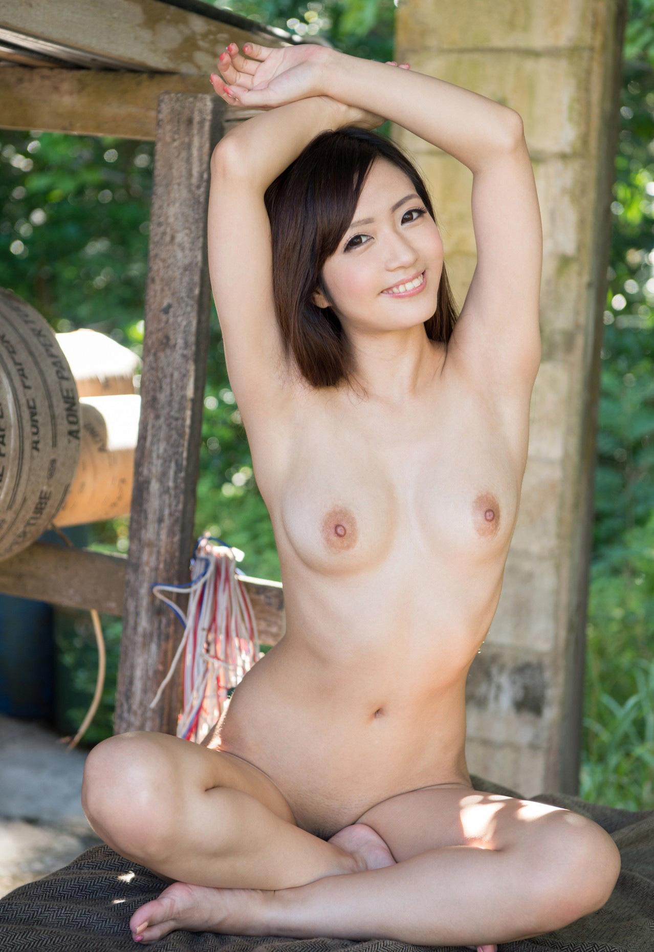 青山はな 地方局の元お天気オネエさんの清楚なお乳に見とれちゃう☆