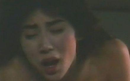 【秋野暢子】背中を愛撫されて声が出てしまう濡れ場