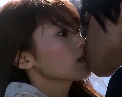 【原幹恵】戸惑いながらもキスを許すラブシーン