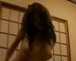 【水谷ケイ】巧みな腰使いを見せる濡れ場