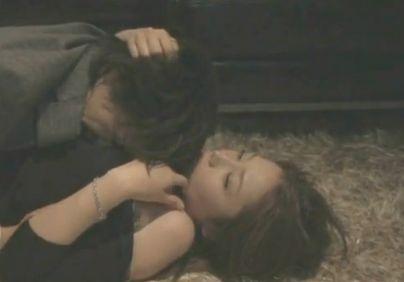 【三津谷葉子】性的魅力を振りまく濡れ場
