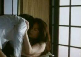 【佐々木基子】寂しさを埋めるために男を求める濡れ場