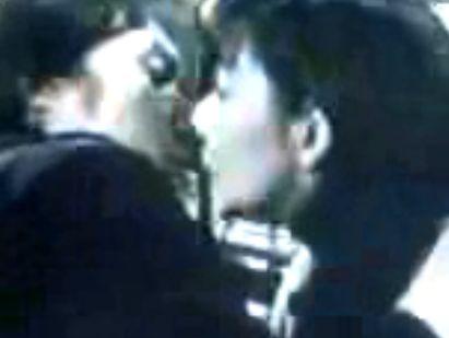 【片平なぎさ】一線を越えた相手とキスをする濡れ場