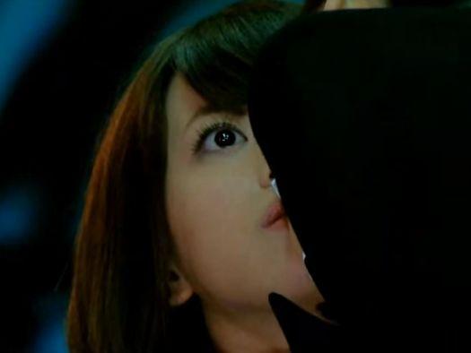 【坂田梨香子】唐突なキスに固まってしまうラブシーン