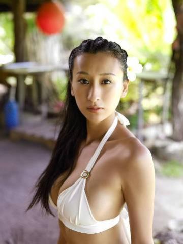 アダルト画像3次元 - 浅田舞がまたスイカップ化、ウェットスーツ着た乳がバインバインで凄い!!!!!!!!!!!!!!!!!!!!!!!! 【画像あり】