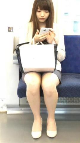 アダルト画像3次元 - 列車対面パンモロが意図せず見えた時の幸せ!!!!!!!!!!!!!!!!