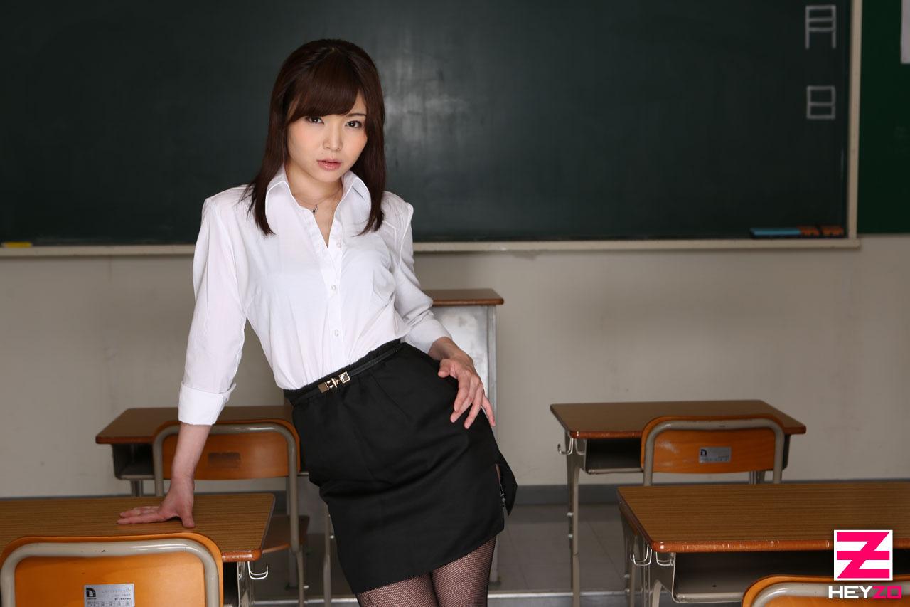 アダルト画像3次元 - 碧しのの下半身軽女先生がハマりすぎてエろい