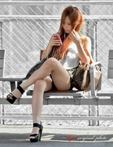 気付きそうで気付かない秘密撮影美足☆いい体してるオネエさんのエ□写真拾ってきましたwwwwww
