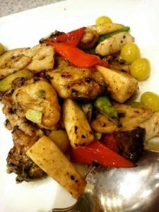 牡蠣と季節野菜の豆チソース炒め