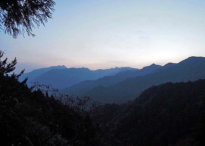 2015,11,3峰入り古道-4