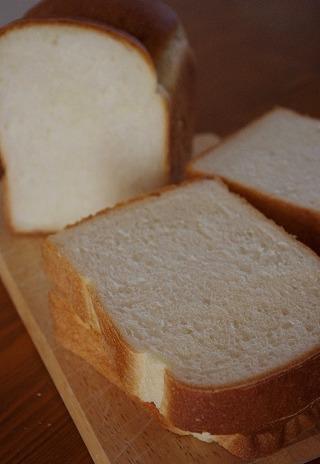 食パンのクラム