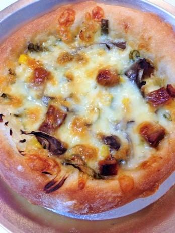 マヨソースのピザ