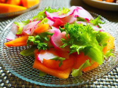 フルーツ赤カブと柿のサラダ