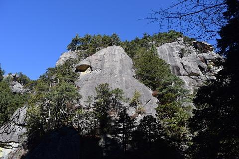 ペンギン岩